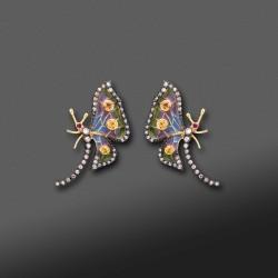 Pendientes cortos en esmalte y diamantes en oro amrillo de 18K.