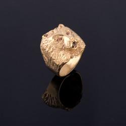 Anillo con cabeza de leon en oro amrillo de 18K.